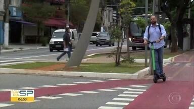 Prefeitura de São Paulo divulgará regras para uso de patinetes - Depois de registrar acidentes nos últimos dias, Administração minucipal vai regular a utilização do meio de transporte nesta segunda-feira (13).