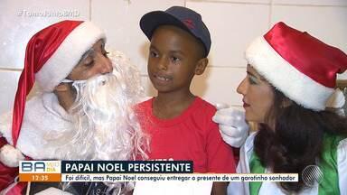 Natal atrasado: papai noel entrega presente para criança sonhadora - O garoto pediu um curso de desenho.