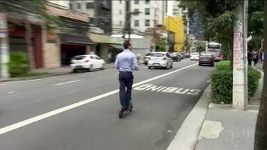São Paulo é a primeira cidade brasileira a regulamentar uso dos patinetes elétricos - Capacete passa a ser obrigatório. Fica proibida a circulação em calçadas e em vias onde carros circulam a mais de 40 km/h.