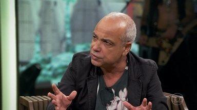 Cláudio Manoel fala sobre Seu Creysson - Personagem surgiu por causa da legislação eleitoral que não deixava apenas um candidato virar alvo de piadas no primeiro turno, nas eleições de 2002