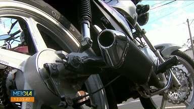 Adulterar escapamento de moto pode gerar na apreensão do veículo - A multa é de R$ 195,23 para moto barulhenta.