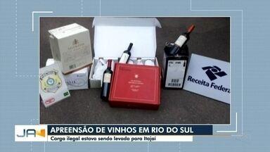 PRF apreende carga de vinhos importados em Rio do Sul - PRF apreende carga de vinhos importados em Rio do Sul