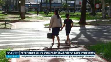 Prefeitura abre licitação para comprar semáforos para pedestres - Município quer adquirir quase 300 equipamentos