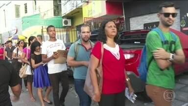 Um em cada quatro desempregados busca vaga há pelo menos dois anos - O Brasil tem 13,4 milhões de desempregados no 1º trimestre de 2019. A taxa de desocupação cresceu em todos os Estados.