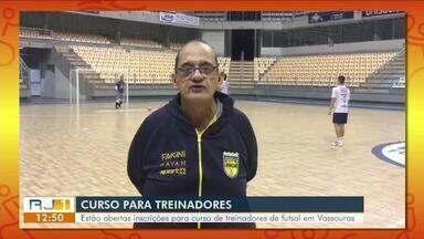 Abertas inscrições para curso em Vassouras para profissionais de futsal e profissionais - Evento vai acontecer nos dias 24, 25 e 26 de maio. Entre os palestrantes está Fernando Ferretti, que está à frente do Jaraguá-SC e um dos maiores técnicos da modalidade no Brasil