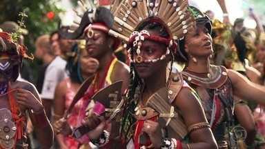 Virada Cultural leva arte a 1.200 pontos de São Paulo - Com 35 palcos na cidade, não faltou música. Caetano Veloso e os filhos. Anitta e Pablo Vittar foram algumas das atrações do evento.