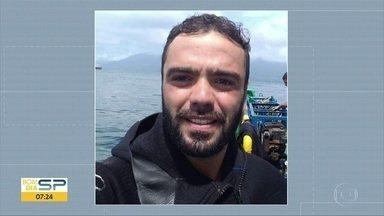 Corpo de mergulhador é encontrado no Porto de Santos - Emmanouil Pagonis Neto, de 26 anos, era mergulhador profissional e realizava a manutenção do casco de um navio, no último domingo, quando desapareceu. A Marinha do Brasil investiga a causa da morte.
