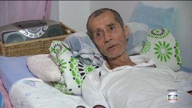 Após 9 anos de espera por cirurgia, idoso morre sem conseguir prótese no Into - Carlos Augusto Abreu, de 69 anos, aguardava por uma troca de prótese de quadril desde 2010.