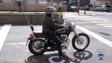 Emdurb testa sinalização específica para motociclistas e ciclistas em Bauru - Uma sinalização específica para motociclistas e ciclistas está em fase de teste em Bauru (SP).