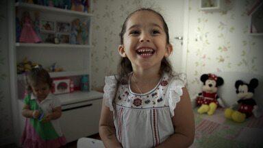 Halloween - Luisa, que está completando 4 anos, quer um aniversário aterrorizante. Ela conversa com Fernanda Rodrigues e conta o que quer para esse seu Halloween particular.
