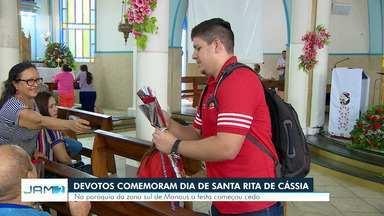 Devotos comemoram Dia de Santa Rita de Cássia em Manaus - Na paróquia da Zona Sul da capital, festa começou cedo.