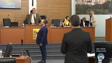 Vereador Luiz Santos é escolhido para compor Comissão que investiga o prefeito Crespo - O vereador Luiz Santos (PROS) foi o escolhido pela Câmara de Sorocaba (SP) para substituir o vereador Rafael Militão (MDB) na Comissão Processante que investiga denúncias de irregularidades do prefeito de Sorocaba (SP), José Crespo (DEM), na Lei do Voluntário.