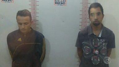 Polícia identifica três suspeitos do desaparecimento de jovem que caiu no Rio Tietê - O Departamento Estadual de Investigações Criminais (Deic), de São Paulo, identificou, nesta quarta-feira (22), três suspeitos envolvidos no roubo à carga de caminhão que levou ao desaparecimento de um jovem de Votorantim (SP). Leonardo dos Santos Felipe, de 18 anos caiu no Rio Tietê após fugir do cativeiro durante um assalto na Grande São Paulo.