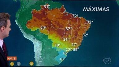 Ciclone extratropical deixa nuvens carregadas no Sul do país - Meteorologia prevê frio para parte do Centro-Oeste e do Norte. Na Grande São Paulo, a miníma prevista para esta noite é de 14°C.