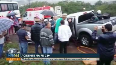 Acidente entre caminhonete e ônibus com trabalhadores deixa um morto e vários feridos - Batida foi na PR-239, entre Jesuítas e Iracema do Oeste.
