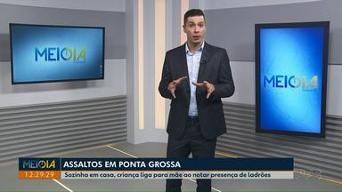 Sozinha em casa, criança nota presença de ladrões e avisa mãe por telefone em Ponta Grossa - No mesmo dia, PM também registrou outros dois assaltos a comércio.