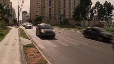 Número de multas por não parar na faixa de pedestres subiu 174% - Motoristas estão perdendo o hábito de parar para os pedestres pararem