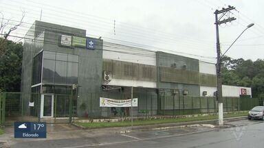 Problemas estruturais impedem atendimento em UBS de Santos - O prédio foi construído há três anos e, desde a semana passada, os moradores estão sem atendimento.