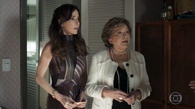 Gladys e Lyris demitem Maria - Esposa de Agno até se sensibiliza com a situação da jovem, mas sua mãe se mostra irredutível. Agno fica furioso com a situação