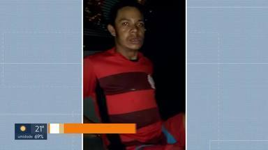 Latrocínio no Recanto das Emas - A polícia prendeu dois suspeitos de matar Manoel Lima, de 49 anos, e roubar objetos da casa dele. O homem que comprou os objetos também foi preso e vai responder por receptação.