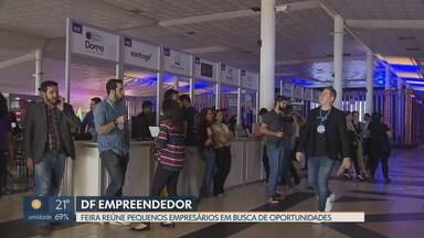 Feira reúne peuenos empresários em busca de oportunidades - Capital Empreendedora é a maior feira de educação empreendedora do Centro-Oeste e é voltada para quem está começando a empreender. 22 startups participam em busca de investidores.