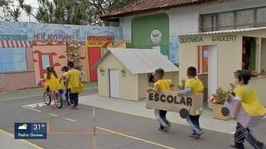 Maio Amarelo: alunos de escolas municipais de Campo Grande aprendem sobre trânsito - Conscientização de estudantes faz parte de ações do trânsito.
