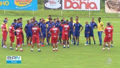Bahia recebe o apoio de torcedoras antes de jogo contra o São Paulo pela Copa do Brasil - Times se enfrentam na quarta-feira (29), na Arena Fonte Nova.