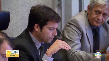 Deputado Distrital entra de licença médica após denúncia - Deputado Distrital Robério Negreiros deve ficar 15 dias afastado.Ele virou alvo de investigações, por assinar o ponto enquanto viajava aos Estados Unidos.