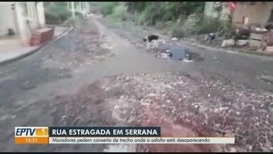 Moradores pedem conserto em rua estragada em Serrana, SP - Problema no asfalto existe desde março de 2019.