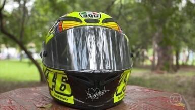 MotoGP terá capacetes mais seguros a partir de junho - Conheça também réplicas de capacetes de Rossi feitas por fãs.