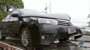Chuva provoca onda de acidentes de trânsito em Marília - Pelo menos oito acidentes de trânsito foram registrados nesta segunda-feira (3) em Marília (SP) em função da chuva.