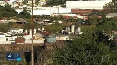 Polícia descobre refinaria clandestina em Vargem Grande Paulista - No local estavam armazenados 1 milhão de litros de combustíveis