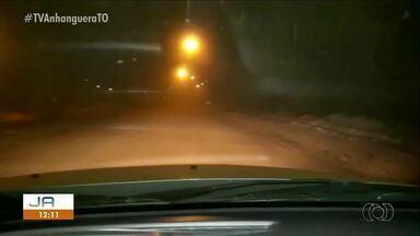 Moradores sofrem com ar coberto por poeira em bairro sem asfalto de Palmas - Moradores sofrem com ar coberto por poeira em bairro sem asfalto de Palmas