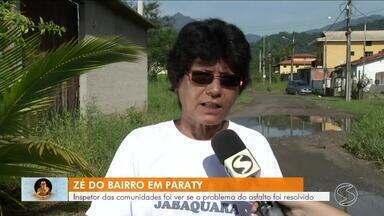Zé do Bairro foi até Paraty ver se problema de asfalto foi resolvido - Primeira visita do inspetor das comunidades foi em janeiro de 2017.
