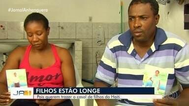 Casal de haitianos que vive em Goiânia pede ajuda para trazer filhos da África - Eles vieram para o Brasil para tentar uma vida melhor.