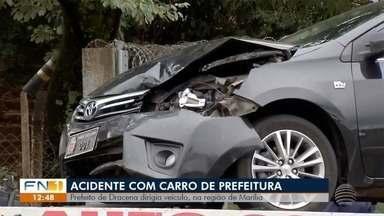 Prefeito de Dracena envolve-se em acidente de trânsito em Marília - Veículo oficial bateu na traseira de outro carro na Rodovia do Contorno.