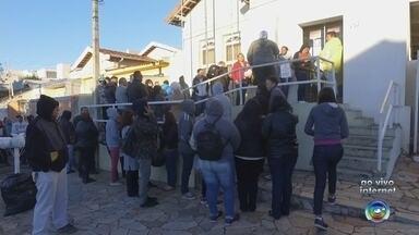Moradores de Marília dormem em fila para tentar uma vaga de emprego - Abriu nesta quarta-feira (5), o processo seletivo com diversas vagas de trabalho em uma loja de departamentos, que será inaugurada no segundo semestre