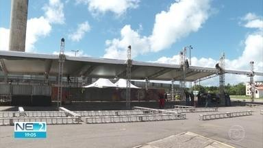Profissionais preparam estrutura para o São João da Capitá - Evento acontece no sábado (8), no Centro de Convenções, em Olinda.