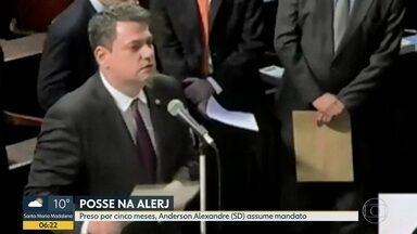 Após cinco meses preso, deputado é empossado na Alerj - Anderson Alexandre, do Solidariedade, responde por quatro crimes.