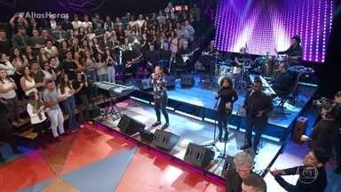 Beto Barbosa canta 'Adocica' - Confira