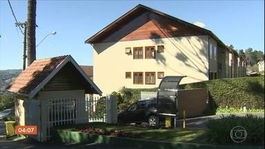 Empresário e a filha são encontrados mortos dentro de casa em Campos do Jordão, SP - A suspeita é que os dois morreram por causa de um vazamento de gás.