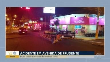 Duas pessoas ficam feridas em acidente em Presidente Prudente - Ocorrência foi em cruzamento da Avenida Manoel Goulart.