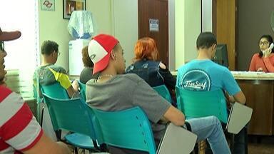 Com desemprego, empresas ficam mais exigentes para contratação - Pesquisa do IBGE aponta que mais de 12% da população está desempregada.