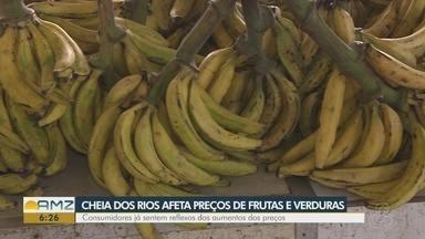 Veja como cheia afeta no preço final de frutas e verduras nas feiras de Manaus - Consumidores começaram a substituir alguns alimentos.