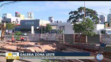 Obra em galeria na Zona Leste de Teresina deixa Avenida João XXIII interditada - Obra em galeria na Zona Leste de Teresina deixa Avenida João XXIII interditada