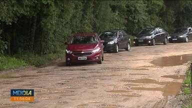 Calendário: moradores da CIC esperam pelo asfalto há dez anos - A rua é uma alternativa para quem quer fugir do Contorno Sul.