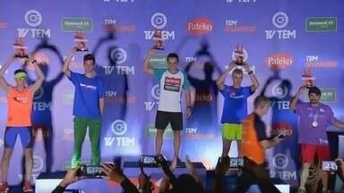 Confira como foi o TEM Running de Bauru - Confira os detalhes e os vencedores da tradicional corrida de rua que contou com centenas de participantes, entre eles os jornalistas da TV TEM Romeu Neto e Fernanda Ubaid.