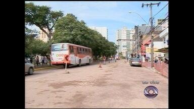 Trânsito na Avenida Rio Branco deve normalizar amanhã - A previsão é que as obras estivessem concluídas até hoje.