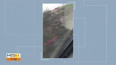 Bombeiros tentam resgatar piloto de parapente que caiu no Pico da Ibituruna, em Valadares - Acidente foi nessa segunda-feira (10) e segundo os bombeiros, ele decolou na rampa sul que fica na parte de trás da montanha.