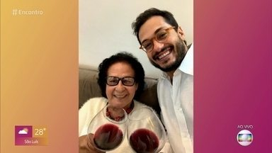 Raphael Viana fala sobre a avó de 82 anos - Ator participa de papo sobre procedimentos estéticos e elogia a forma a avó